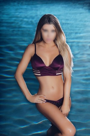 Marie-gwendoline private erotic massage in Middle Island, NY