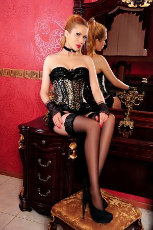 Siwar pegging escorts in Stevenston