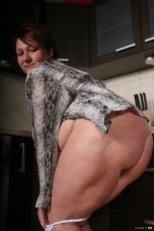Cathia big ass girls Tracy